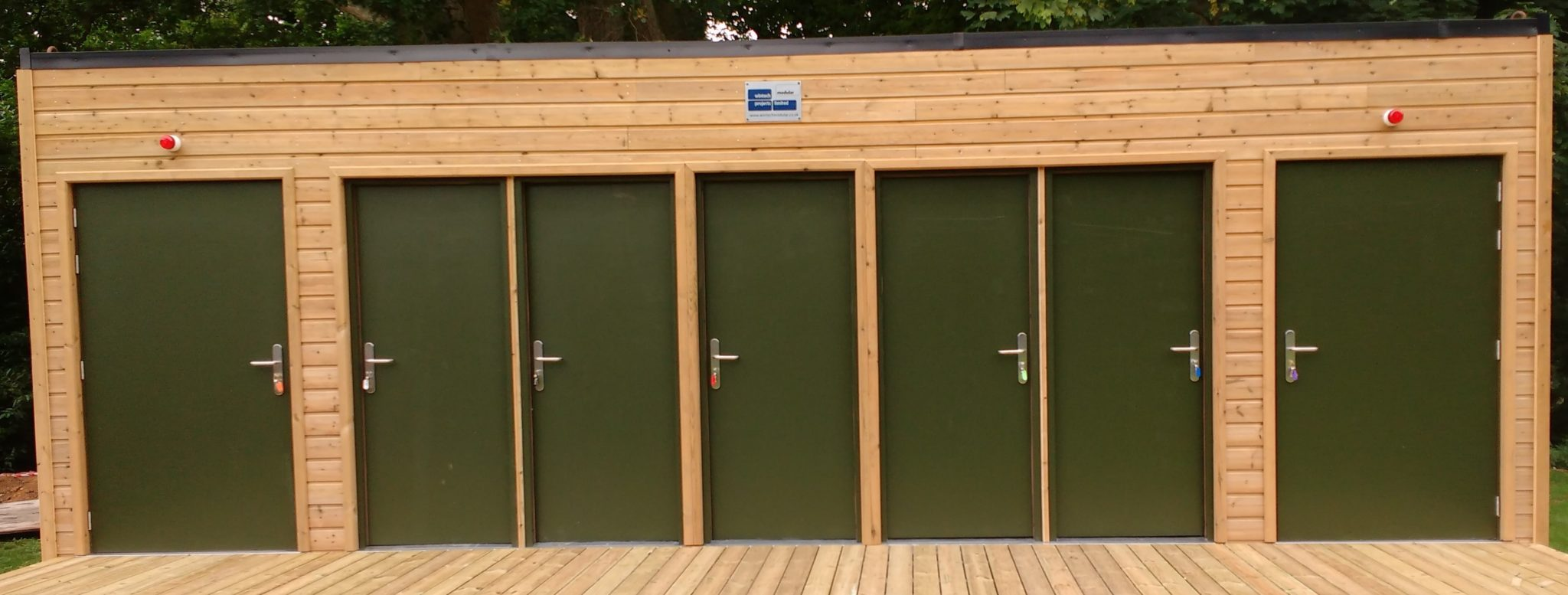 Fitted portable washroom modular building
